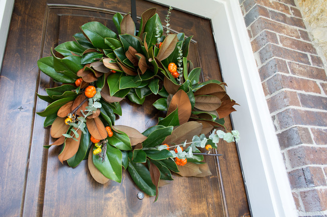 DIY: Fresh Magnolia Wreath