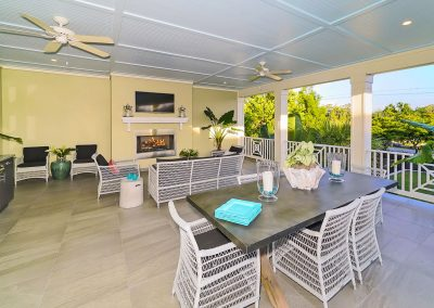 50-granada-park-sarasota-west-of-trail-outdoor-great-room-wide
