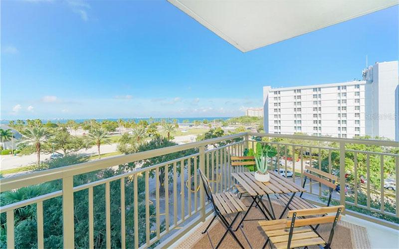 Sarasota Downtown Condo Luxury Real Estate Review